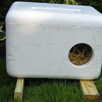 Outdoor cat litter house